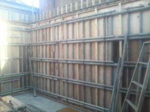 2階壁型枠建て込み
