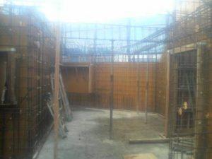 3階壁型枠建て込み