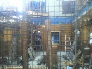 1階壁型枠建て込み