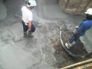 捨てコンクリート打設状況